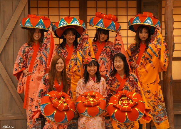 Okinawan costumes (kimono) are available for rent for a perfect photo shoot at Ryukyu Mura in Okinawa, Japan.
