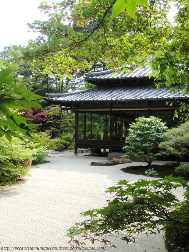 The dry garden at Tenjuan Temple in Kyoto is located to the east of the main hall.