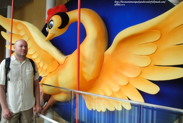 The symbolic Phoenix inside Kyoto International Manga Museum measures 11 meters in width and 4.5 meters in height which took 6 months to complete.