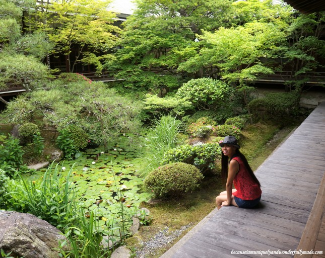 The beautiful small rock garden at Eikan-dō Zenrin-ji 永観堂禅林寺 in Kyoto, Japan.