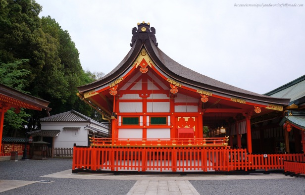 Fushimi Inari 伏見稲荷大社Shrine's main building or Honden and the other temple buildings are located behind the Romon Gate. It is Japan's Inari headquarter.
