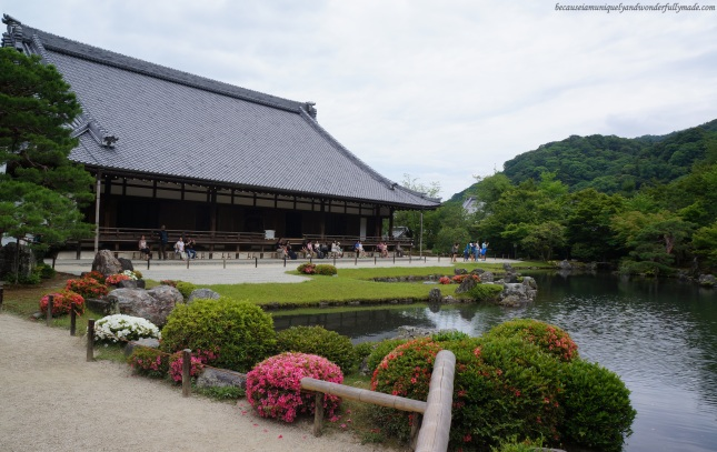 Sogen-chi pond 曹源地 and the O-Hojo building at Tenryu-ji Temple (天龍寺) in Arashiyama district in Kyoto, Japan.