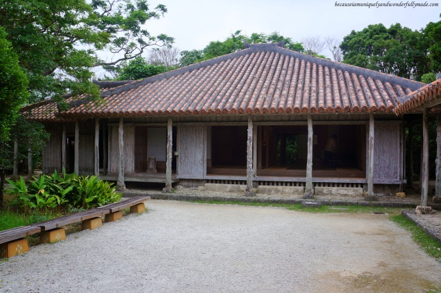 A native Okinawan house featured at Ocean Expo Park in Motobu, Okinawa, Japan. 本部 朝基 , 沖縄県
