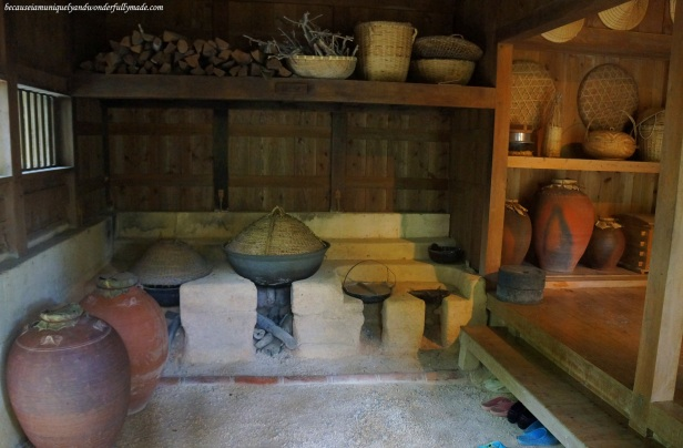 The kitchen of a native Okinawan house featured at Ocean Expo Park in Motobu, Okinawa, Japan. 本部 朝基 , 沖縄県