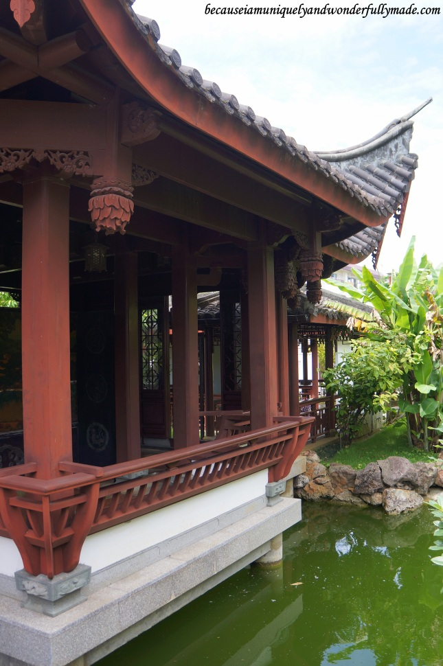 Chinese architecture at Fukushuen Garden 福州園 in downtown Naha 那覇市 Okinawa 沖縄本島, Japan 日本国.