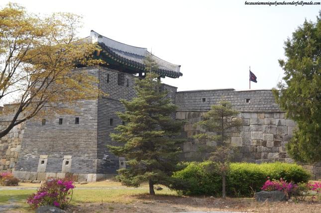 Hwaseong Fortress [UNESCO World Heritage] (수원 화성 [유네스코 세계문화유산])  – Suwon 수원, South Korea.
