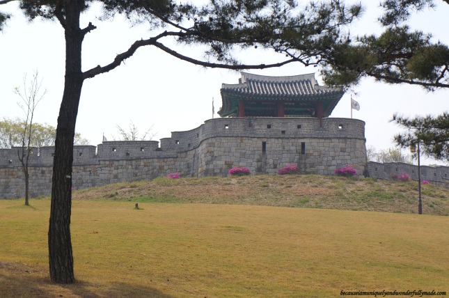 Part of the Hwaseong Fortress [UNESCO World Heritage] (수원 화성 [유네스코 세계문화유산])  – Suwon 수원, South Korea.