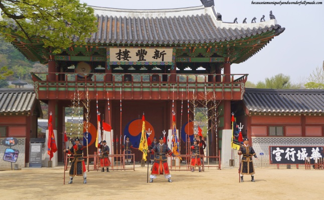 24 Martial Arts Trial Performance (무예24기 시범공연) in front of Sinpungnu Pavilion 신풍루 at Hwaeseong Haenggung Palace 화성행궁 – Suwon 수원, South Korea