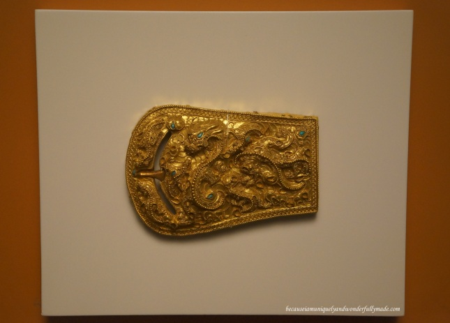 A golden belt, the National Treasure No. 190 of South Korea as displayed inside the National Museum of Korea 국립중앙박물관 in Yongsan, Seoul.