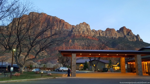 Springdale, Utah is nestled in the heart of the Zion Canyon. The hotels in this town has one of the amazing views in the world.