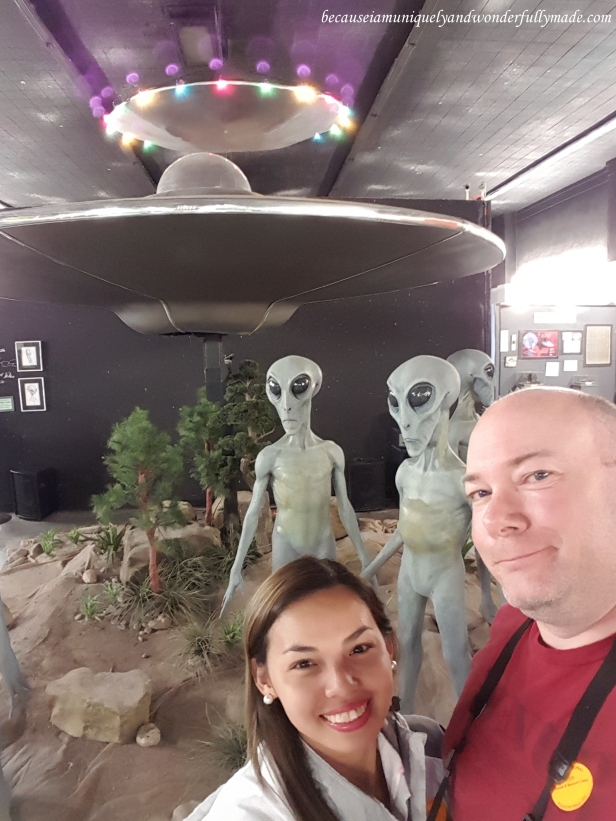 The mechanical life-size aliens with a spacecraft and an alien sound in their background at International UFO Museum and Research Center in Roswell, New Mexico. They actually move!